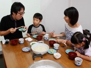 自分で打った麺をご試食いただくことも(別料金)。調理はご参加者ご自身でどうぞ。(写真はイメージです)