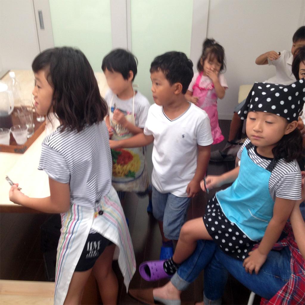 夏休み最後は子ども7人+大人3人、総勢10人様。「いりこ、おいし~」とお代わりを求められたのがうれしかったです。おいしいでしょ、うちのいりこ。